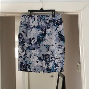 Pencil skirt blue floral